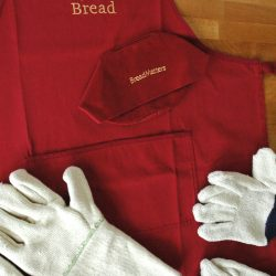 Oven Gloves, Aprons & Hats